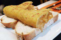 Come preparare la vera tortilla de patatas spagnola: ricetta e consigli